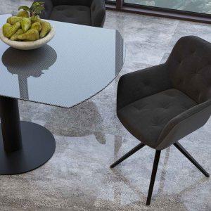 chaise pivotante avec des accourdoirs avec un tissu de couleur anthracite