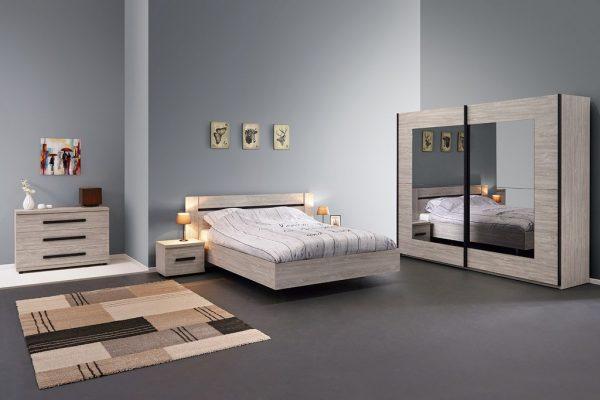 Chambre à coucher avec lit