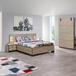 Chambre complète en décor imitation chêne.
