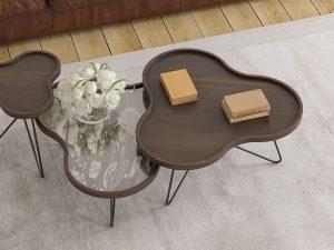 Table basse avec un plateau en forme de fleur en matière noyer