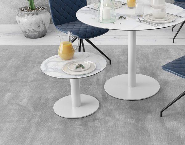 bout de canapé céramique marbre avec pied socle rond acier laqué blanc mat