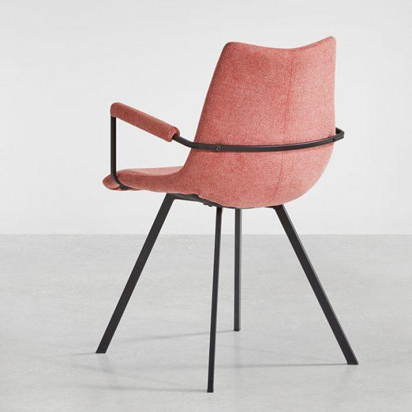 Chaise avec accoudoirs coloris corail
